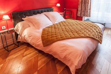 Chambre colorée et confortable - Lezoux