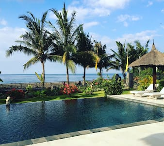 4BR Beachfront Tropical Villa - Seririt - Ev