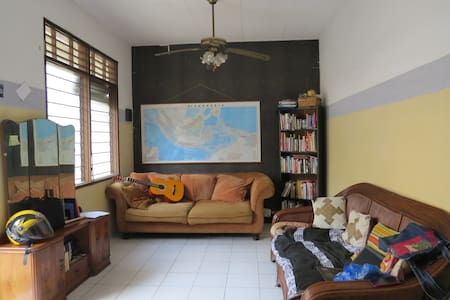 A COMFY HOUSE IN CENTER OF JAKARTA