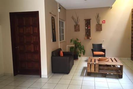 Casa en Lomas del Guijarro - Tegucigalpa - Haus