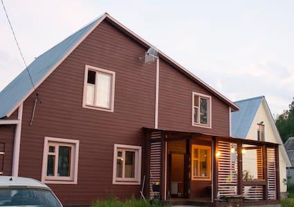 Комфортабельный дом с баней на дровах - House