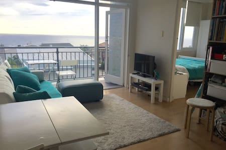 Beach pad - Panoramic ocean views - Bronte - Apartment