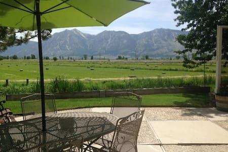 Sierra Views, Great Home Near Tahoe - Haus