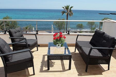 2 rooms with sea view, 302 S'Illot - Apartament