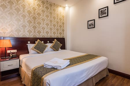 Saigon Odyssey Hotel is a charming 2 stars Hotel, property conveniently located close to the central of Ho Chi Minh City. Local tourist attractions such as Ben Thanh Market, Palace....  Let us make your trip more easier, budget & great in Vietnam!