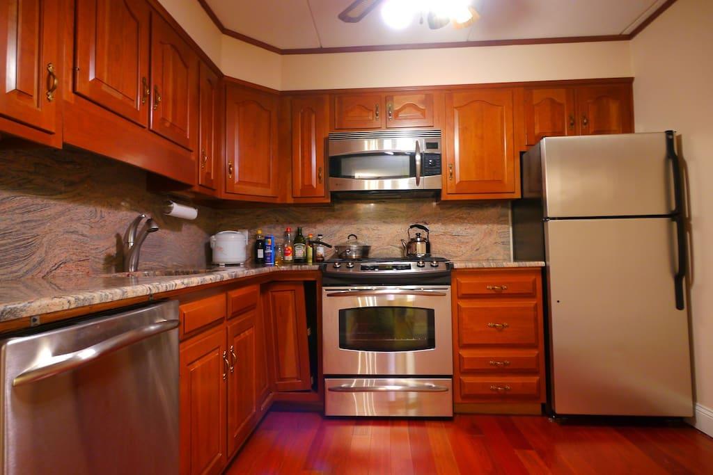 Luxury Spacious  2BR/2Bath Home