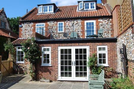 Duffields House, Brancaster - Hus