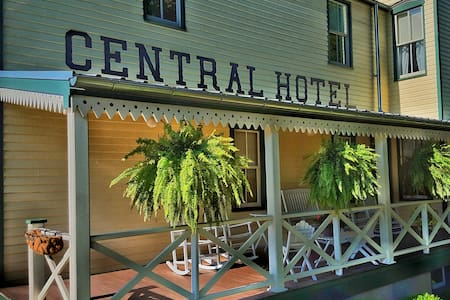 Central Hotel - New Haven - Bed & Breakfast