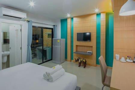 Clean room Free Optic wifi 24 hr - Lägenhet