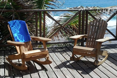 Apt on Soupbowl Surf Break Barbados - Pis