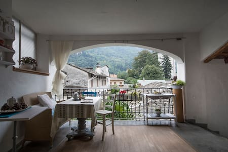 B&B historic building Chiavenna - Bed & Breakfast