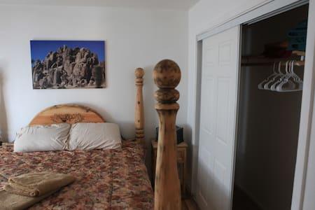 Private Room close to JT Village - Joshua Tree - Maison