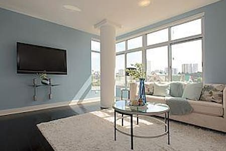 Room in Filmore District Penthouse