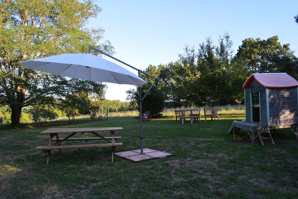 Cottage avec piscine proche sarlat houses for rent in for Camping sarlat avec piscine