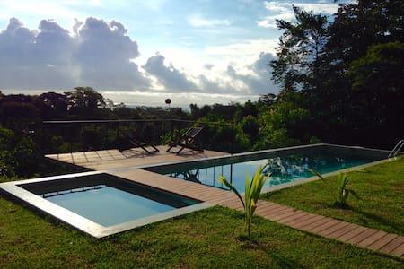 Jungle Hub Bungalow and pool - Montezuma - Bungalow