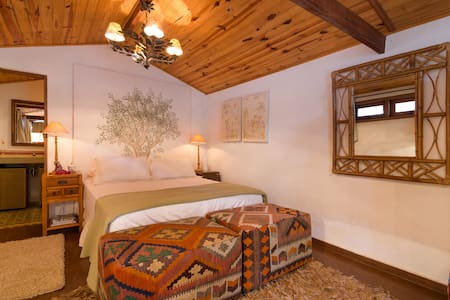Rustic and Elegant Country House - Embu das Artes - Cabin