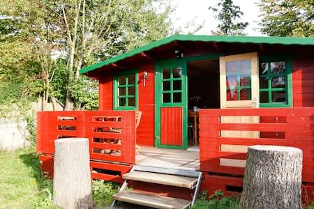 Generous log cabin - Sommerhus/hytte