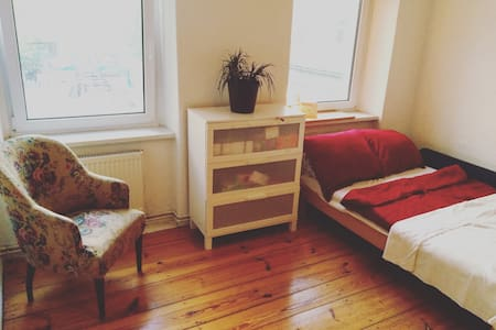 big comfy room in Friedrichshain