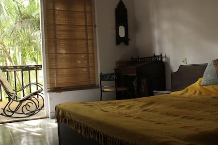 Green Getaway with Private Balcony - Bangalore - Appartement