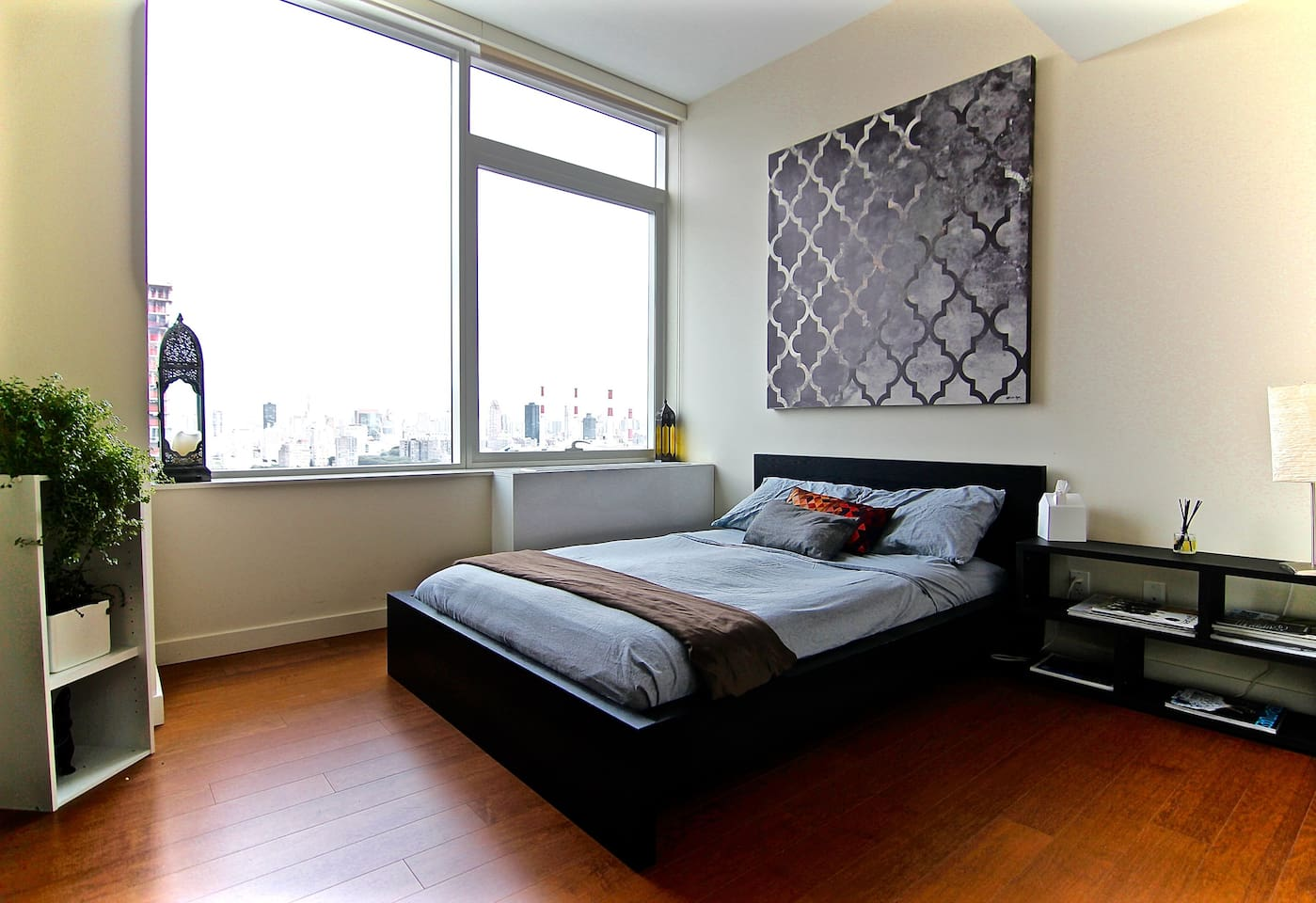 Your private bedroom, with huge closet and direct access to your private bathroom.