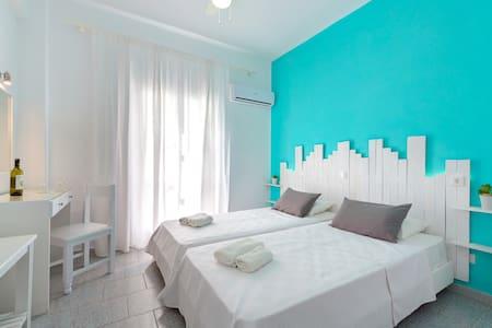 hotel ikaros - Bed & Breakfast