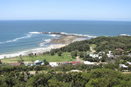 Point View Beach House - Diggers Camp