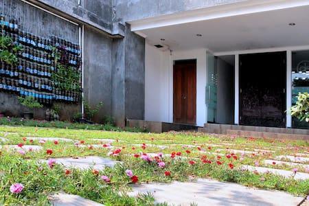 studio apartment in housing comp near pondok indah - Apartment