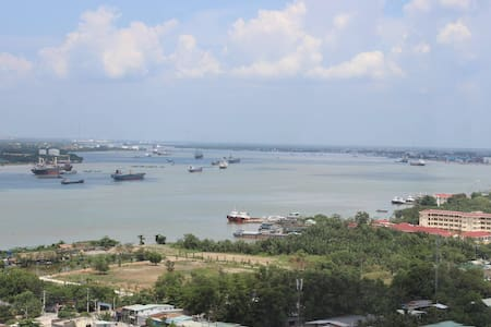 Quiet, Spacious and with a View! - Phú Mỹ - Apartment