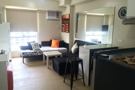 Cute Studio Unit in IT Park Cebu - Cebu