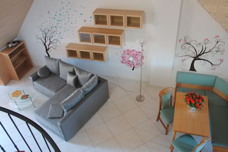 Flat with gallery near airport/fair - Apartment