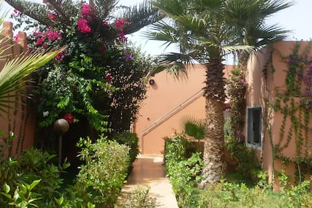 Villa mit großem Garten - Casa de campo