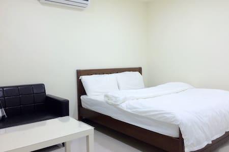 #2 MRT 10mins WiFi Private Bathroom - Appartamento