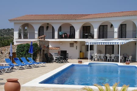 Villa voor grote groepen of families - Villa