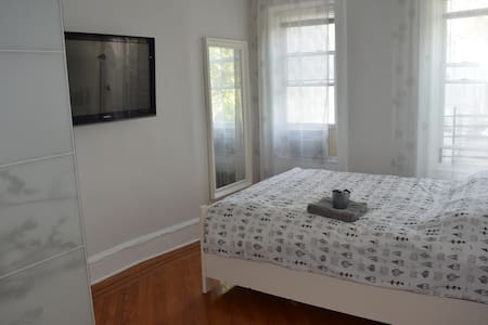 Nice room in Ridgewood Queens