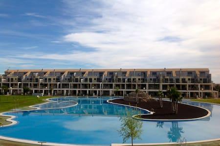 Appartement/jardin ds complexe avec  golf - Appartement en résidence