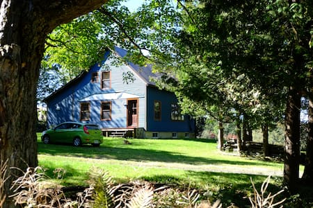 La maison bleue de Kingscroft ! - Faház