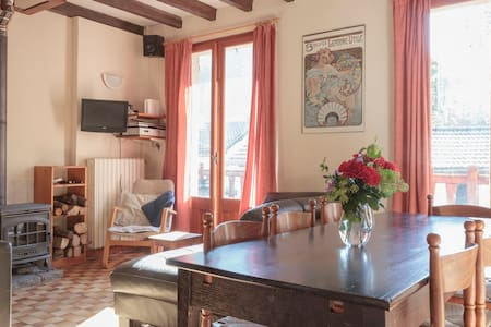 Base Calames B&B and Gite (twin) - Bed & Breakfast