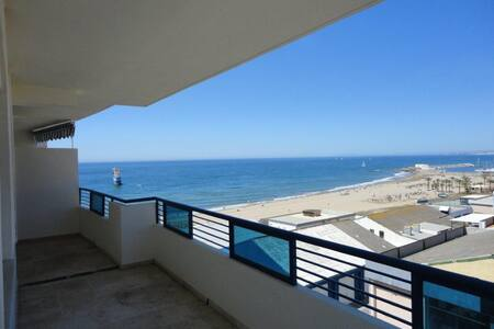 Charming Apartment on the Beach 318