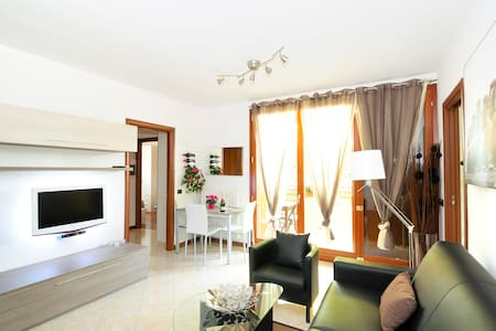 4 STAR**** SUITE and LowCost Price - Limbiate - Appartement