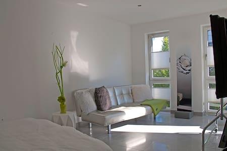 Wohnen in modernem Einfamilienhaus - Haus