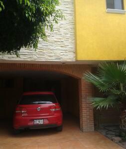 Casa super cómoda, zona residencial