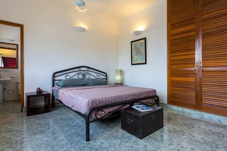 Room type: Private room Bed type: Real Bed Property type: Villa Accommodates: 3 Bedrooms: 1 Bathrooms: 7