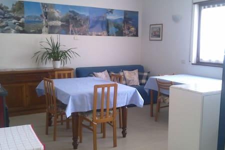 ampia e luminosa stanza con bagno BIG BRIGHT ROOM - Arco - Bed & Breakfast