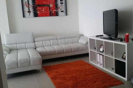 New LUXURY apt with amazing bayview - Wohnung