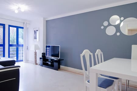 Lisbon flat: swimming pool+garage - Lisboa - Apartment