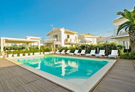 beach-side with pool-Vulcano B apt. - Terme Vigliatore  - Apartment