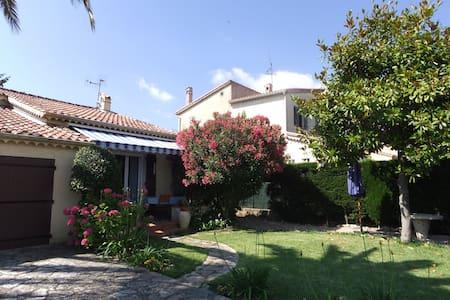 Maison provençale à MANDELIEU plain pied - Mandelieu-la-Napoule