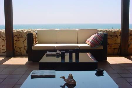 Appartamento con veranda e spettacolare vista mare - Marina di Modica - Apartment