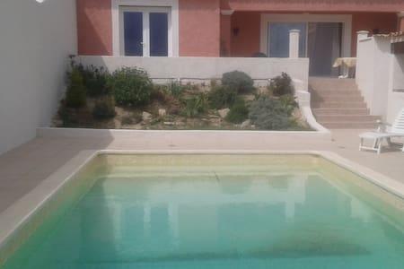 villa 135m2 piscine au calme - Talo