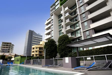 Brisbane Central- Wifi, Netflix, SmartTV, Spa, BBQ - Appartamento